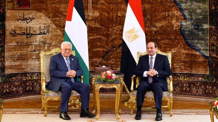 محمود عباس يبدأ جولته الإقليمية في الأردن ومصر