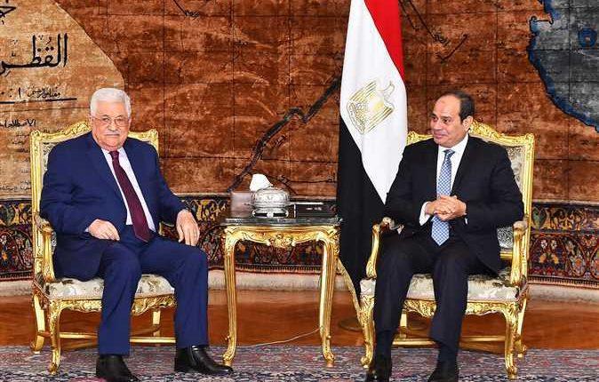 السيسي وعباس يبحثان القضية الفلسطينية وقضايا المنطقة في القاهرة
