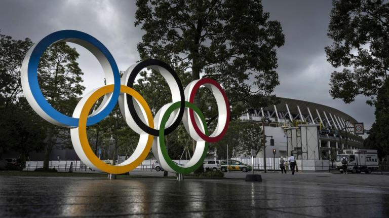 رئيس اللجنة الأولمبية الدولية باخ يصل إلى طوكيو لمراجعة الاستعدادات للأولمبياد