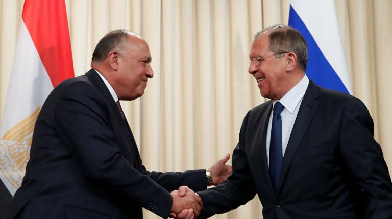 Egyptian Foreign Minister Sameh Shoukry and his Russian counterpart Sergey Lavrov discussed on Friday by phone a number of regional issues of mutual interest.