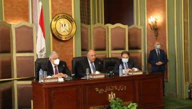 Minister of Foreign Affairs Sameh Shoukry met, on Tuesday, with the members of the technical secretariat of the Supreme Committee for Human Rights, where he stressed Egypt's commitment to protect and promote human rights.