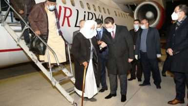 A 75-member delegation from southern Libya on Tuesday arrived in Cairo for three-day visit in which it will meet several Egyptian officials over the United Nations-led political talks.