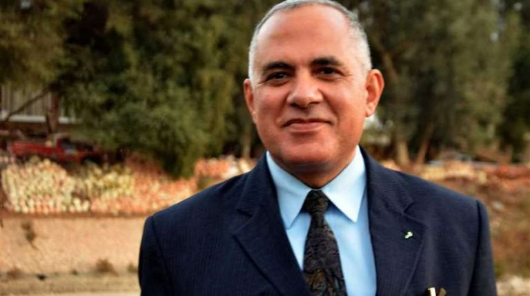 Egypt's Minister of Water Resources and Irrigation, Mohamed Abdel Aaty, has held a meeting with section heads at his ministry, to review ongoing cooperation between Egypt and African countries.