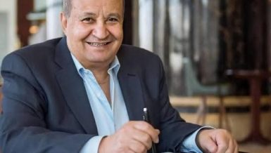 Veteran Egyptian screenwriter Wahid Hamed passed away on Saturday, at the age of 76, after a long battle with illness.