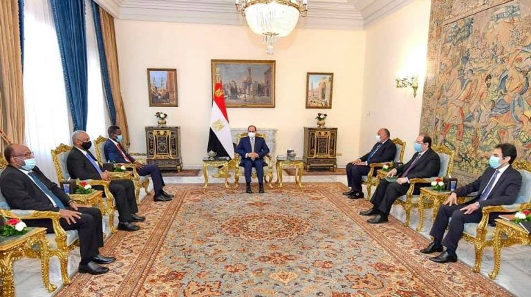 Egypt's President Abdel-Fattah El-Sisi discussed on Thursday the latest developments in bilateral relations with a Sudanese delegation led by Sudan ruling Sovereign Council member Shamseldin Kabashi, the Egyptian presidency announced.