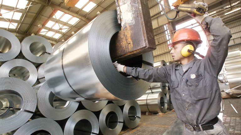 Iron, steel workers protest over 'unilateral' factories closure