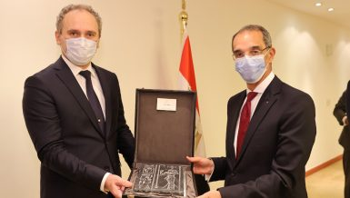 Egypt, Belarus discuss enhancing cooperation in communications, IT sectors