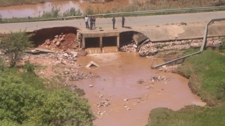Hundreds of people have been displaced in central Zambia's Mumbwa district following the collapsing of Kandesha dam due to heavy rains experienced in recent days,