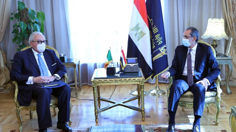 Egypt, Italy discuss cooperation in digital transformation, post services