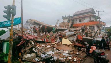 Indonesia earthquake: strong quake in Sulawesi kills at least 34,