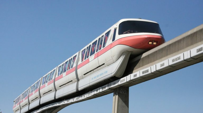 A consortium led by Bombardier Transportation has confirmed a deal with the Egyptian government to build two new monorails thanks to £1.7bn ($2.32bn) in backing from UK Export Finance (UKEF).