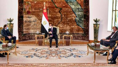 Egypt's President Abdel Fattah Al-Sisi met with Lebanon Prime minister-designate Saad Al-Hariri, on Wednesday, and renewed his country's firm cooperation with Lebanon.