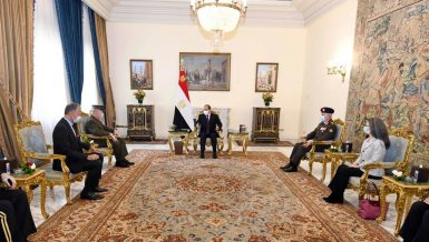 Al-Sisi, US Centcom Chief discuss bilateral cooperation, counterterrorism efforts