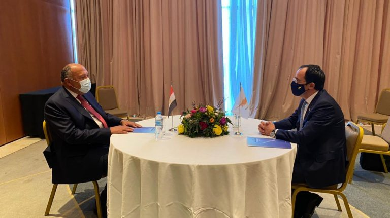 Egyptian FM meets Cypriot counterpart during visit to Athens
