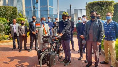 India Ambassador in Egypt flags off Indian cyclist on world tour