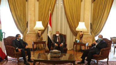Egypt's Minister of Foreign Affairs Sameh Shoukry and Head of the General Intelligence Service (GIS) General Abbas Kamel met with Lebanon's Prime Minister-designate Saad Al-Hariri, on Wednesday.