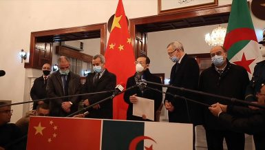 Algeria receives donation of 200,000 doses of anti-COVID-19 vaccine from China