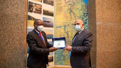 Egypt, Burundi discuss cooperation in developing water resources