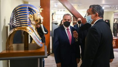 Egypt inaugurates 1st archaeological replicas factory in Middle East