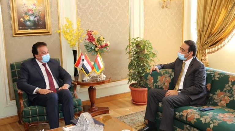 Egypt, Oman discuss ways to enhance scientific cooperation