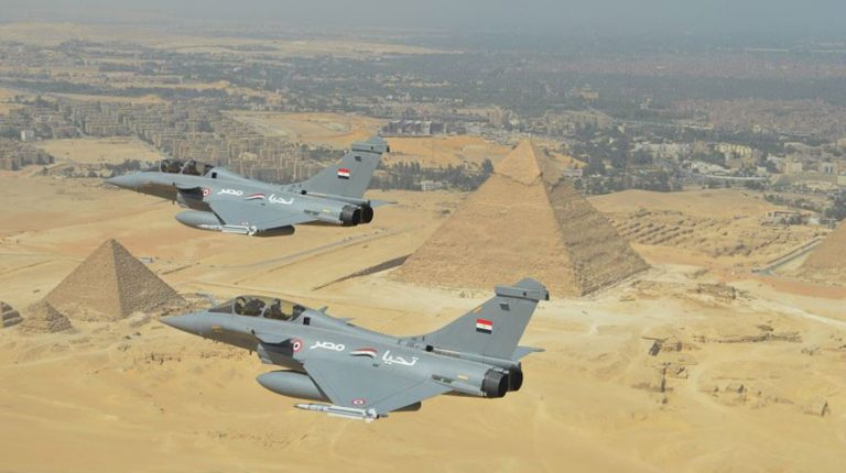 Egypt has signed a contract with France to buy 30 Rafale fighter jets, the Egyptian Ministry of Defence announced early Tuesday.