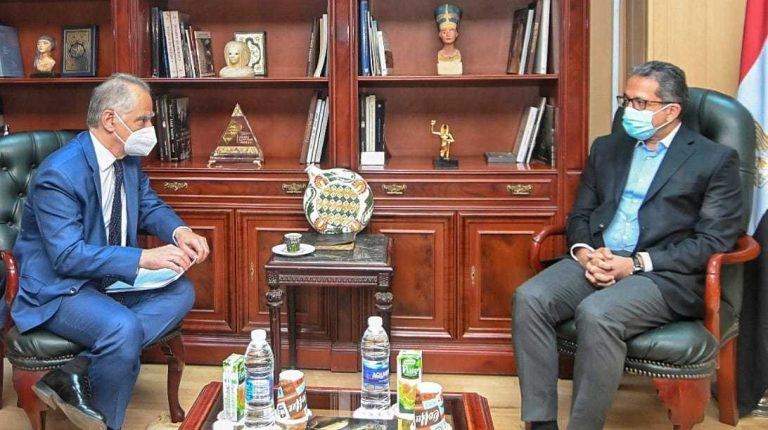Egypt, Greece discuss ways to enhance tourism, archaeological cooperation
