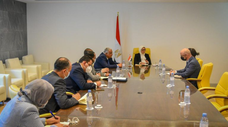 Egypt's Health Minister discusses COVID-19 vaccines with COVAX official in Geneva