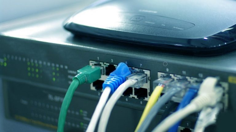 Egypt ranks 94th globally in fixed broadband internet speeds during May
