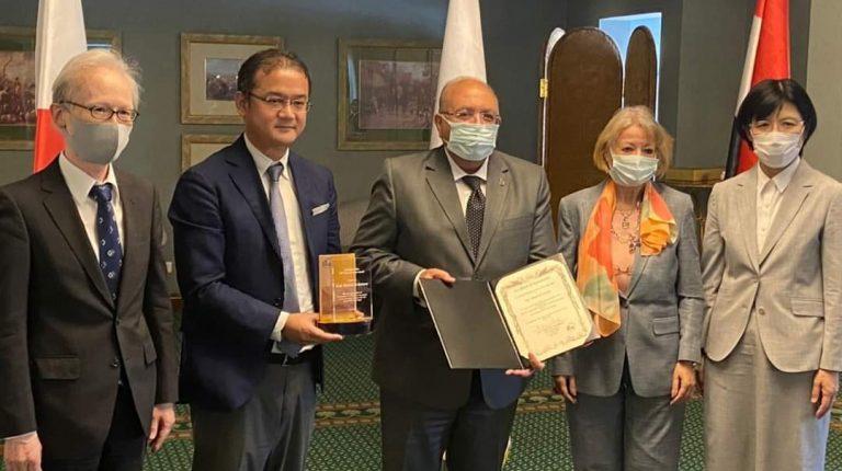 JICA presents Chief Representative Award to E-JUST President