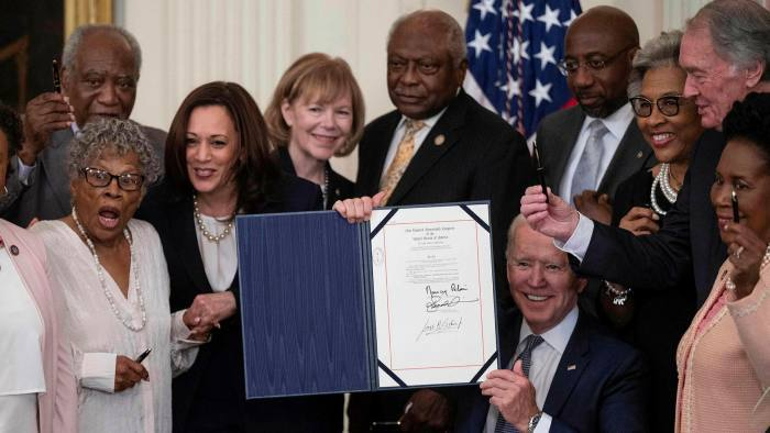 US presidents between emancipation of slaves and political exploitation