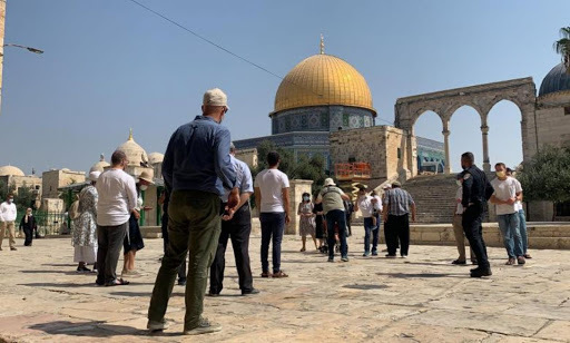 Dozens of Israeli settlers storm Al-Aqsa Mosque as clashes continue in Jerusalem