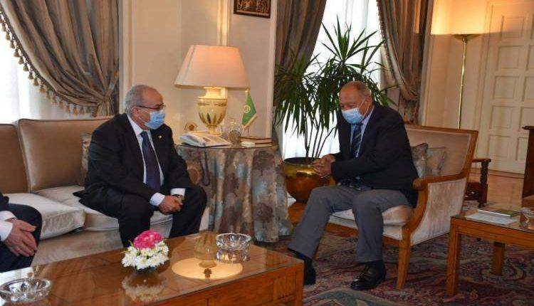 Arab League, Algeria discuss preparations for upcoming Arab summit