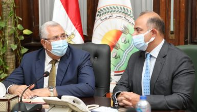 Elkosayer, Farid discuss trading of strategic commodities on new commodity exchange